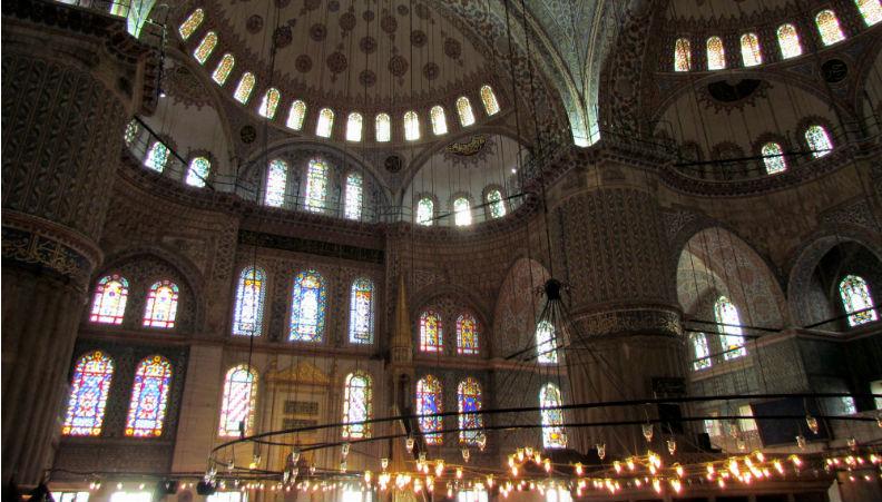 interno_moschea_blu