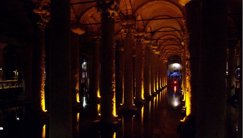 Basilica_Cisterna
